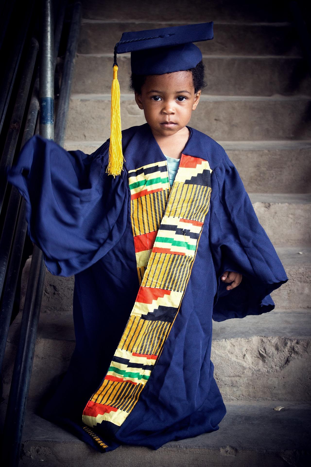 graduate-2197406_1920